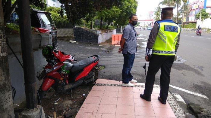 Kecelakaan lalu lintas terjadi di jalan Piere Tendean, Manado, Sulawesi Utara, Jumat (25/6/2021).