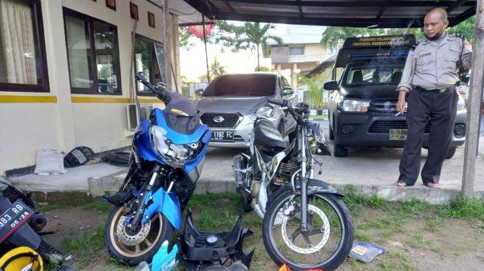 Dua Motor Tabrakan di Persimpangan Transmart Mapanget Manado