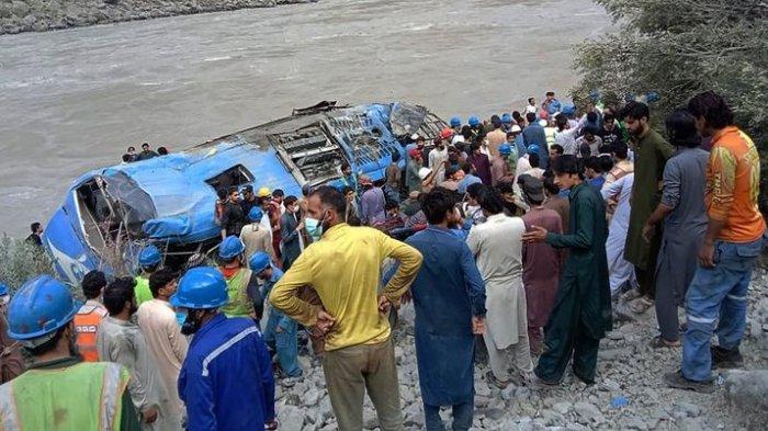 Kecelakaan Maut, 13 Penumpang Tewas, Bus Meledak Lalu Terjun ke Jurang