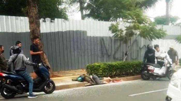 Kecelakaan Maut Pukul 13.00 WIB, Seorang Wanita Tewas, Motor Tabrak Trotoar Kepala Korban Terbentur