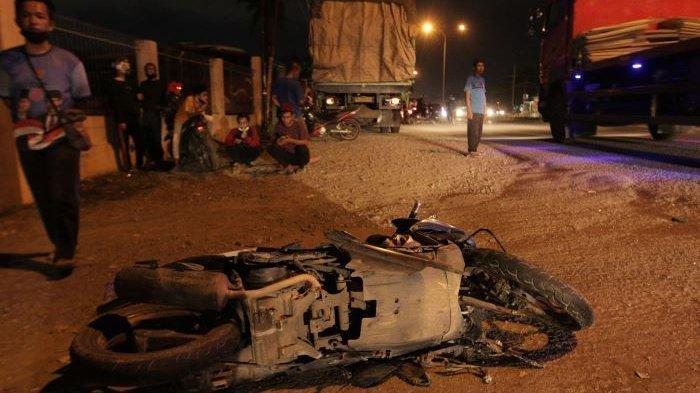 Kecelakaan Maut Pukul 21.00 WIB, Seorang Pelajar SMP Tewas, Korban Tabrak Pot Bunga di Tepi Jalan