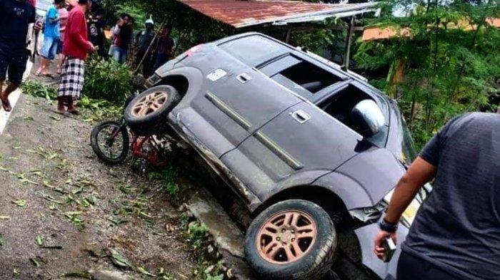 Kecelakaan Maut Pukul 14.50 Wita, 2 Orang Anak Kecil Tewas, Korban Ditabrak Mobil saat Main Sepeda