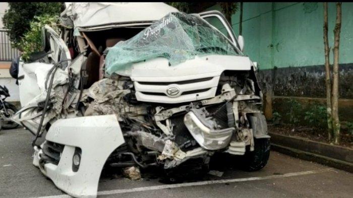 Kecelakaan Maut Tadi Dini Hari, Seorang Penumpang Tewas di Tempat, Sopir Ngantuk hingga Menabrak Bus