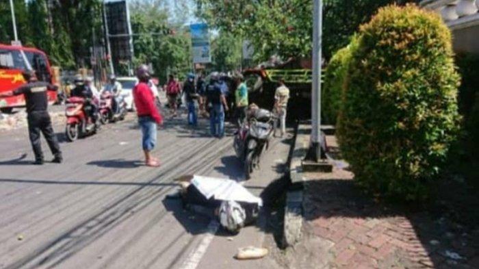 Kecelakaan Maut, Pemotor Tewas Tabrak Dua Truk Tersisip di Antara Mobil, Saksi: Genting Berserakan
