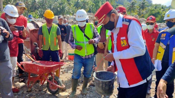 Kegiatan peletakan batu pertama pembangunan bangunan pengendali sedimen DAS Milangodaa, Kecamatan Tomini, Sulawesi Utara.