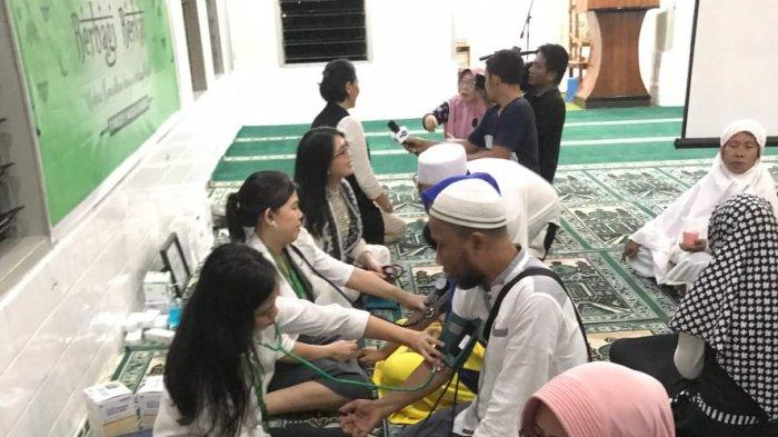 ZAP Manado Berbagi Berkah di Masjid Al Kautsar, Beri Penyuluhan dan Pemeriksaan Kesehatan Gratis