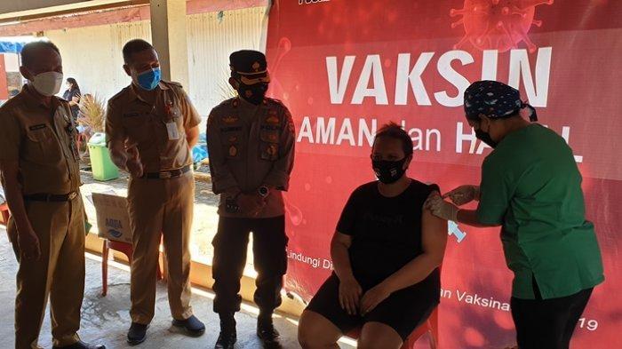 Dinkes Sitaro Gelar Vaksinasi Untuk Kalangan Pedagang