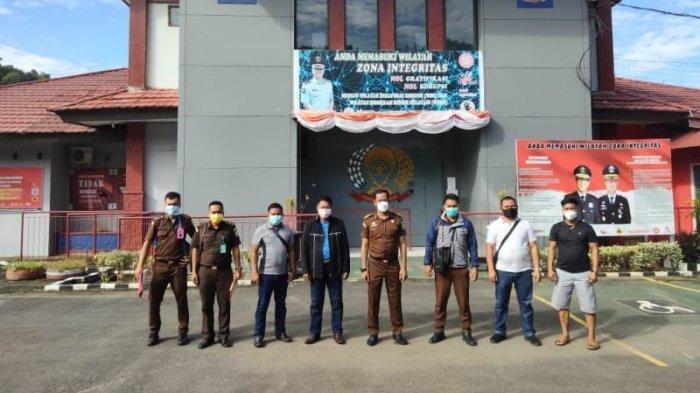 Kejari Talaud Serahkan Tersangka Kasus Korupsi Dana Bansos ke Rutan Malendeng Manado