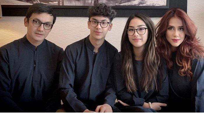 Aktor Gunawan Sudrajat Unggah Foto Keluarga Saat Rayakan Idul Adha, Istri dan 2 Anaknya Jadi Sorotan