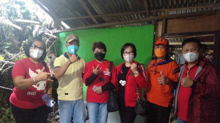 PDI Perjuangan Kota Bitung Bantu Warga KenaLongsor