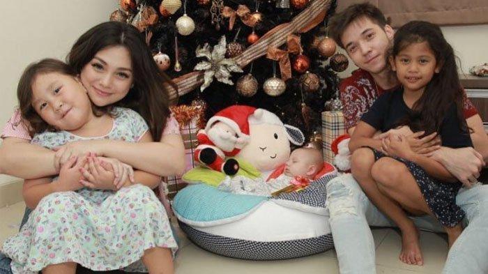 Celine Evangelista Posting Foto Baby Lucio dan Stefan William Kompak Tidur, Gantegan Mana Nih?