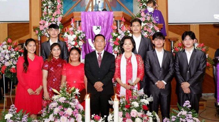 Wali Kota Tomohon Caroll Senduk dan Istri Didoakan di Jemaat GMIM Kakaskasen Pniel