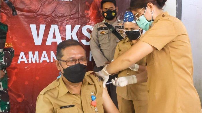 Nakes Kabupaten Sitaro Mulai Terima Vaksin Dosis Tiga