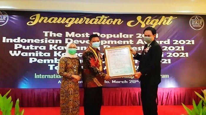 Rudini Masuara Dapat Penghargaan Putra Berprestasi Pembangunan Daerah Sulut