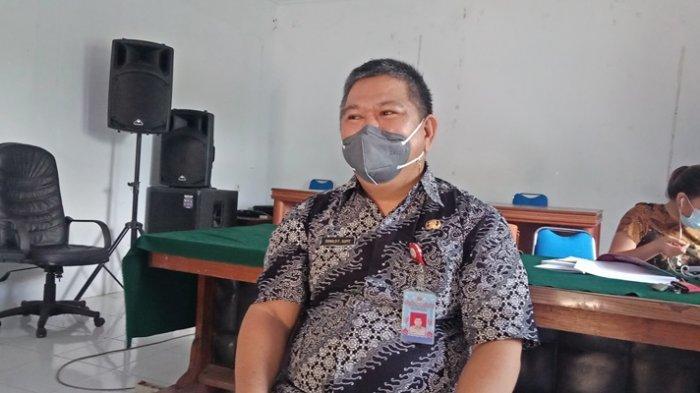 Pemulung TPA Sumompo Dididik Jadi Pembuat Kue