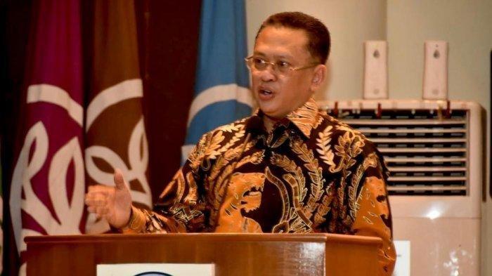 Ketua MPR <a href='https://manado.tribunnews.com/tag/bambang-soesatyo' title='BambangSoesatyo'>BambangSoesatyo</a> (Bamsoet) saat menjadi Keynote Speech Seminar Nasional 'Polemik Menghadirkan Kembali GBHN', diselenggarakan Direktorat Publikasi Ilmiah dan Informasi Strategis Institut Pertanian Bogor, Kamis, (31/10/2019).