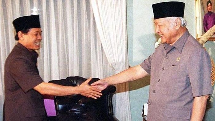 Firasat Tak Enak Harmoko Lantas Terjawab, 'Palu Patah' 70 Hari Setelahnya Soeharto Lengser Mei 1998