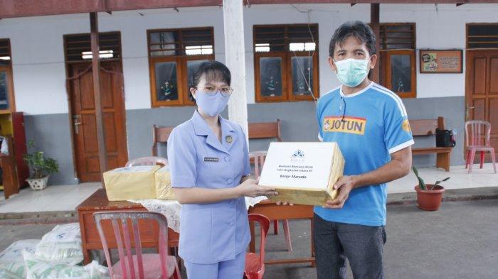 Persatuan Istri Angkatan Udara Lanud Sama Ratulangi Berbagi Bersama Korban Banjir Manado