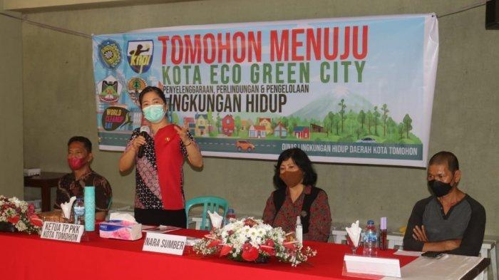 Ketua TP-PKK Tomohon Jeand'arc Karundeng Sosialisasikan Tomohon Menuju Kota Eco Green City