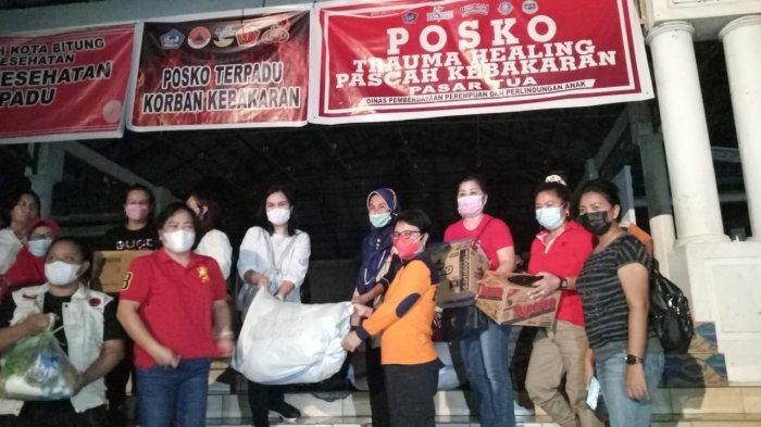 TP PKK Bawa Makanan Siap Saji ke Korban Kebakaran Pasar Tua Bitung