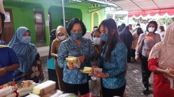 Hasil Penjualan Minyak Goreng untuk Pemeliharaan Masjid Annur Girian Bawah