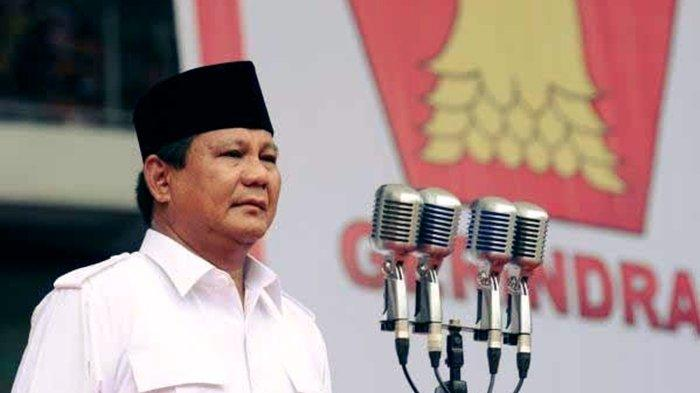 KETIKA Prabowo Mengikuti Rapat di Padang Pasir Uni Emirat Arab, Perhatikan Tangan Menteri Pertahanan