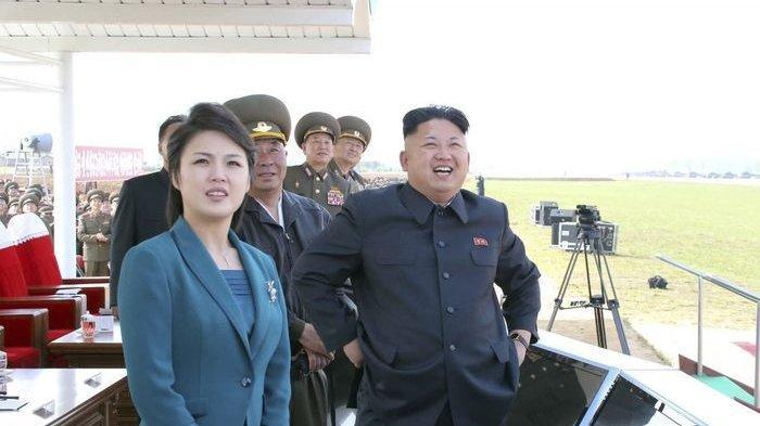 Kim Jong Un dan Ri Sol Ju