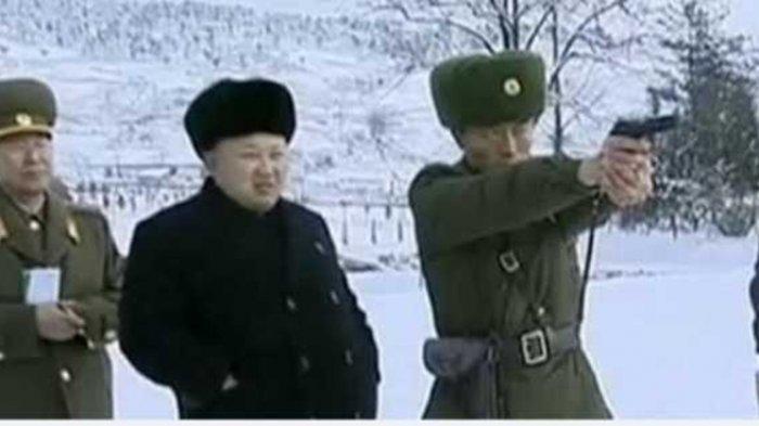 Kim Jong Un dan tentara <a href='https://manado.tribunnews.com/tag/korea-utara' title='KoreaUtara'>KoreaUtara</a>