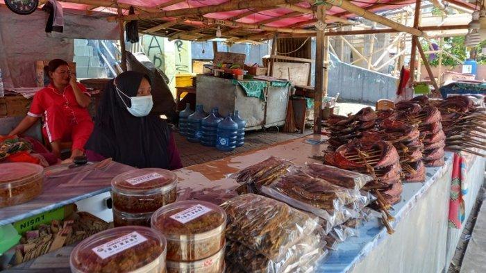 Penjual Cakalang Fufu di Manado Melarat, Pendapatan Turun Hingga 80 Persen
