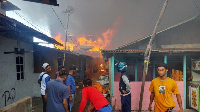 Kebakaran Hebat Terjadi di Pasar Tua Bitung, Sekitar 100 Rumah Terbakar
