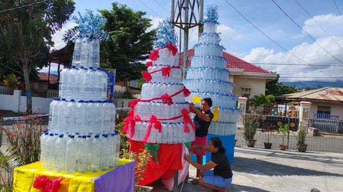 Kolom 25 GMIBM Jemaat Pusat Kotamobagu Buat Pohon Natal dari Botol Bekas