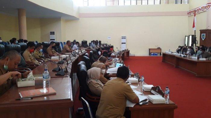 Komisi II DPRD Bolmong RDP Bersama Masyarakat Desa Lalow dan Dinas Terkait Soal Batas Wilayah