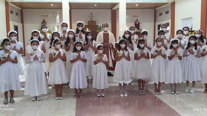 46 Anak Paroki St Antonius Padua Taratara Tomohon Terima Komuni Pertama