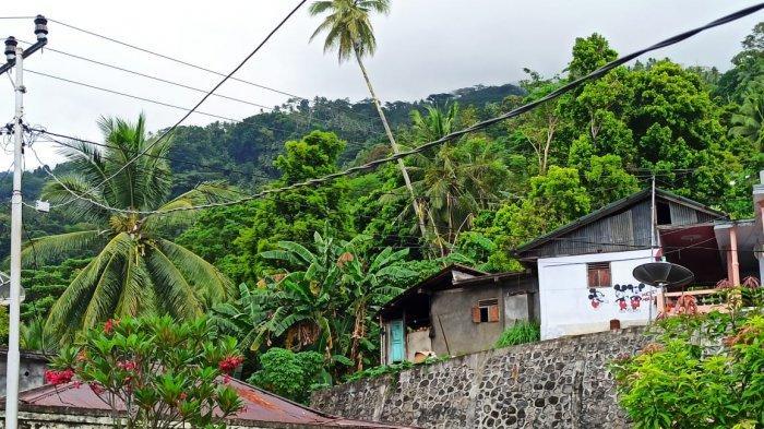 Kondisi jaringan kabel listrik yang ada di Kampung Deahe