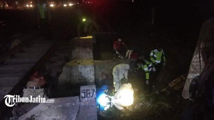 Kecelakaan Maut Pukul 19.51 WIB, Pemotor Boncengan Tertabrak Kereta, 1 Orang Tewas Terseret 10 Meter
