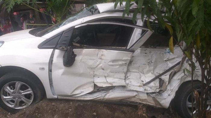 Kecelakaan Maut, Wanita Bernama Megawati Tewas, Honda Brio Tabrakan dengan Pikap Muatan Batu Nisan