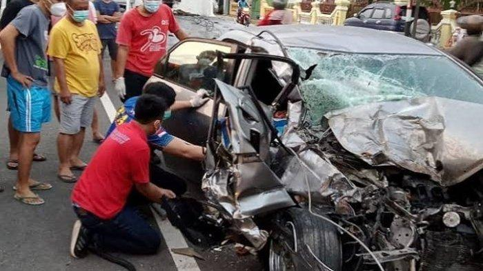 Kecelakaan Maut Pukul 04.30 WIB, Wanita Pengemudi Honda City Tewas, Korban Tabrakan dengan Truk