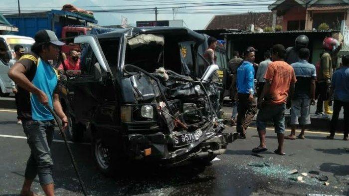 Kecelakaan Maut Tadi Siang, 3 Orang Sekeluarga Tewas Usai Belanja Baju Lebaran, Motor Ditabrak Pikap
