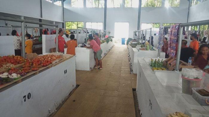 Pedagang Pasar Buha Minta Pemkot Bantu Karena Sepi Pembeli