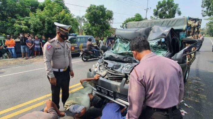 Kecelakaan Tadi Siang Pukul 11.45 WIB, Tabrakan Beruntun Bus Pikap Truk & Mobil, Sopir Brio Ngantuk