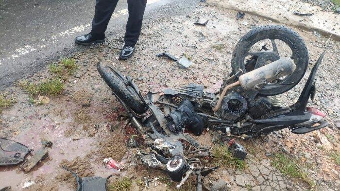 Kecelakaan Maut Tadi Pagi Pukul 05.45 WIB, Prajurit TNI Tewas, Motor Korban Tabrakan dengan Truk