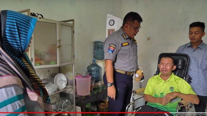 Kopka Ade Casmita, anggota TNI AD yang lumpuh karena disengat Tawon.