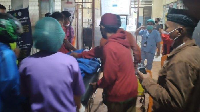 Korban kecelakaan di Desa Munte dibawa ke RS