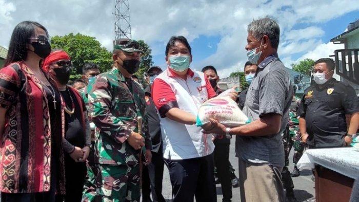 Jokowi Pasok Bansos Beras ke Sulut, Korem 131/Santiago Bagikan 10 Ton ke Warga