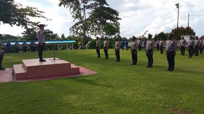 Korps Raport kenaikan pangkat setingkat lebih tinggi bagi anggota Polri yang bertugas di Kepulauan Talaud.
