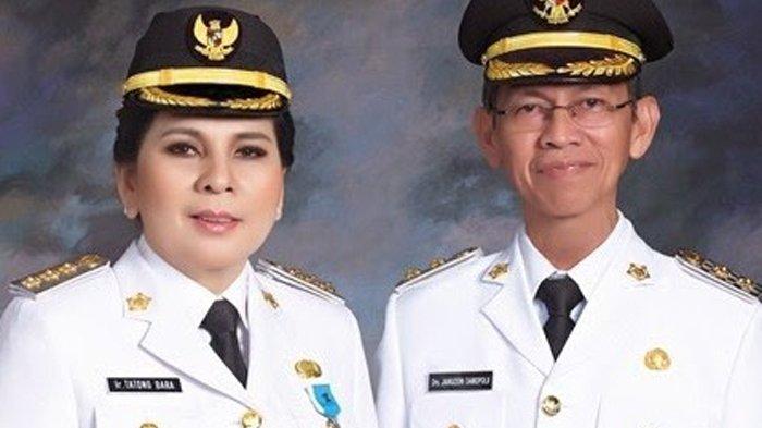 Walikota dan wakil walikota Kotamobagu Tatong Bara dan Jainuddin Damopolii
