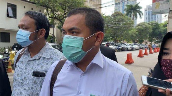 Kuasa hukum Front Pembela Islam (FPI) Aziz Yanuar sindir pernyataan Brigjen Rusdi Hartono soal teroris dari anggota FPI.