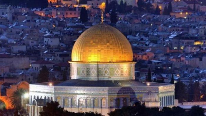 Bersamaan, Video Detik-detik Terbakarnya Masjid Al Aqsa di Jerusalam dan Katedral Notre Dame Paris