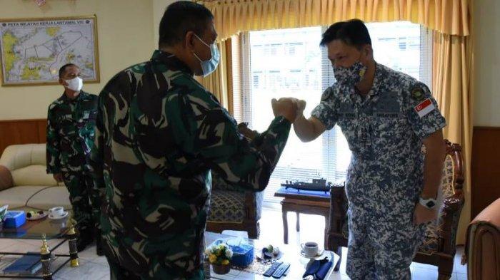 Atase Laut Singapura Berkunjung ke Markas Lantamal VIII di Manado, Bahas Kerjasama Latihan