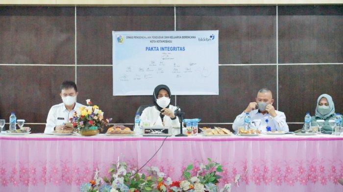 Kunjungan Kerja Wali Kota Tatong Bara ke Kantor Dinas PPKB Kotamobagu